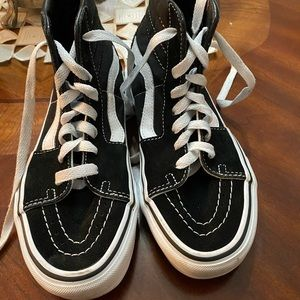 VANS SNEAKERS HI TOP LIKE NEW